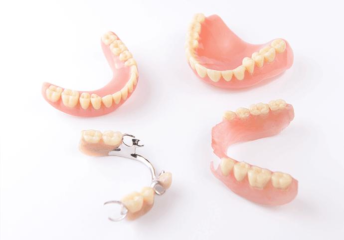 精密でぴったりの入れ歯